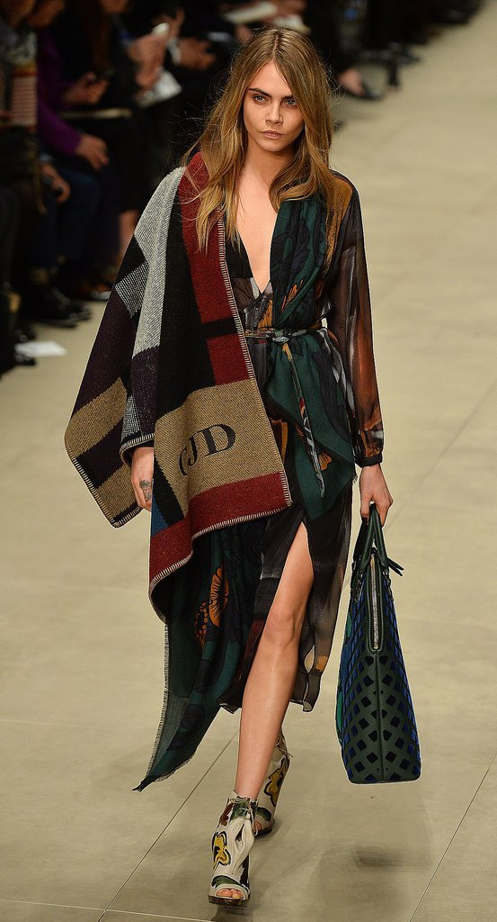 Cara-Delevingne-Walking-Burberry-Fall-2014-Show