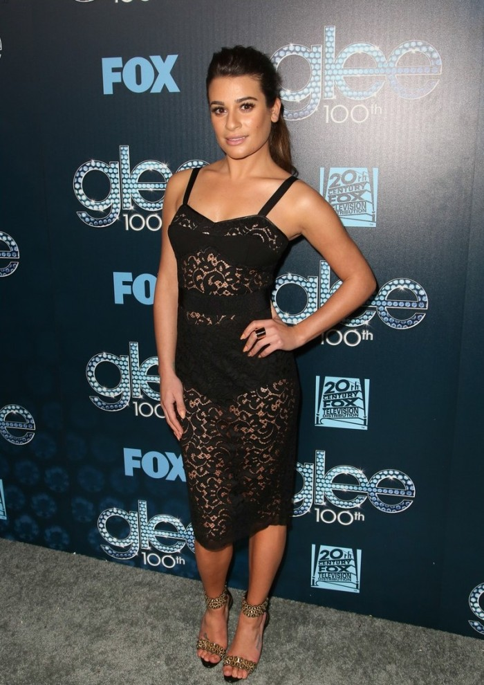 lea-michele-show-off-their-assets-at-glee-01