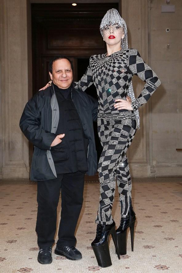 lady-gaga-Vogue-21Jan14-Rex_b_592x888