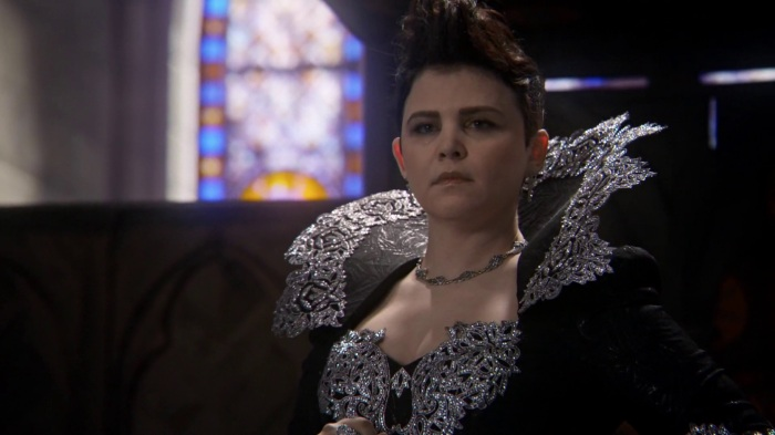 Once-Upon-a-Time-4x22-Operation-Mongoose-Evil-Queen-Snow-White-in-alternate-reality