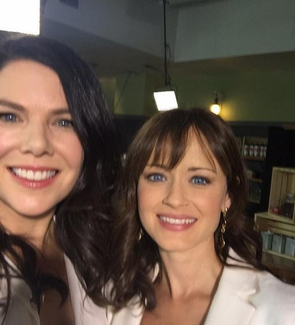 gilmore-girls-cast-reunites-eight-years-later-01